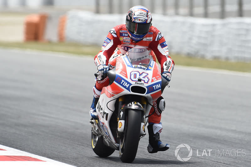 """Andrea Dovizioso (15)<span class=""""copyright"""">Gold and Goose / Motorsport Images</span>"""