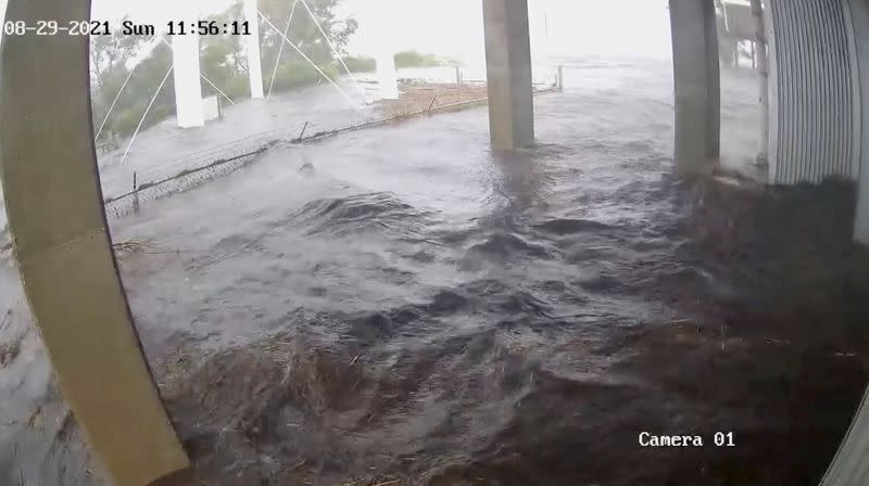 Security camera records hurricane Ida strike within an hour time period, in Delacroix