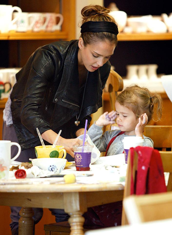 """""""Machete"""" hottie Jessica Alba wasn't afraid to get her hands dirty while painting pottery with her 2-year-old daughter Honor in L.A. Rod/<a href=""""http://www.x17online.com"""" target=""""new"""">X17 Online</a> - October 4, 2010"""