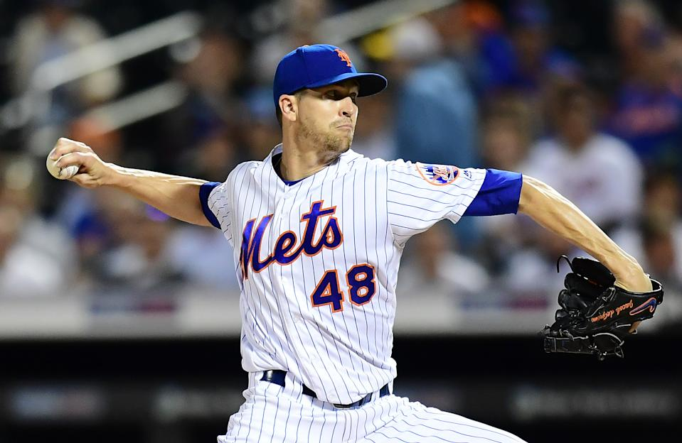 New York Mets ace Jacob deGrom wins his second straight NL Cy Young award. (Photo by Emilee Chinn/Getty Images)