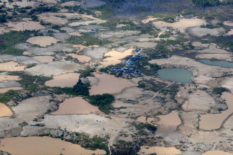 Deadline lapses in Peru for illegal gold miners