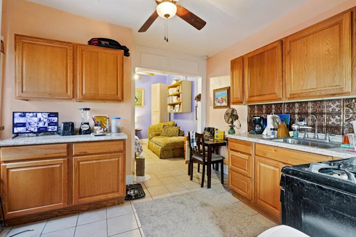 <p>Cook up a meal in the adjacent apartment.</p>