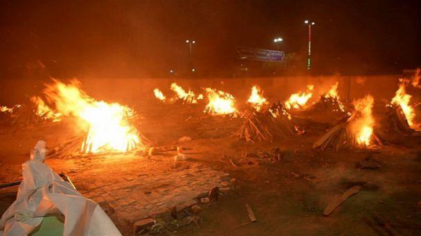 PHOTO: The funeral pyres in New Delhi have been burning nonstop during India's second COVID-19 wave. (ABC )
