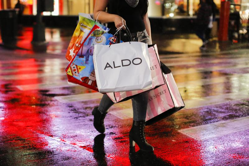 Here's Why Thanksgiving Shoppers Spent Less This Year