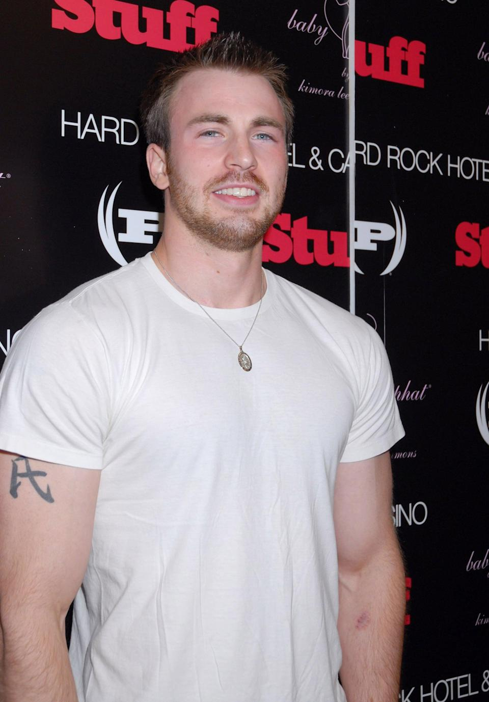 "<p>On his right bicep, <a href=""http://usatoday30.usatoday.com/life/people/2004-09-09-chris-evans_x.htm"" class=""link rapid-noclick-resp"" rel=""nofollow noopener"" target=""_blank"" data-ylk=""slk:Evans used to have a Chinese character"">Evans used to have a Chinese character</a>, though he has since had the piece removed (probably because it was often visible when he wore T-shirts). According to his 2004 interview with <strong>USA Today</strong>, the symbol translated to ""family."" </p>"