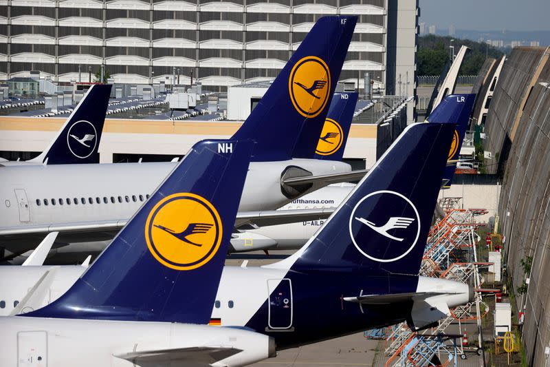 Germany opens part of bailout fund to Lufthansa now - Der Spiegel