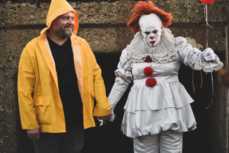 Maci Ann Tate and her boyfriend, Jonathan Krell, dressed as Pennywise and Georgie from 'It.' (Photo: Sarah Bergeron)