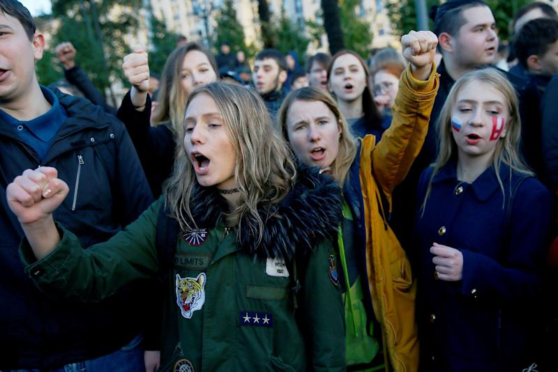 <strong>Alexei Navalny supporters in Moscow</strong> (Anadolu Agency via Getty Images)