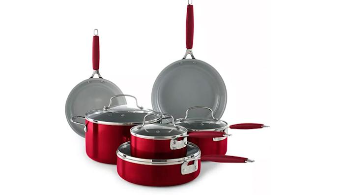 This cookware set is a must-have for any amateur chef.