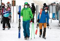 Skiiers have to wear masks and keep their distance