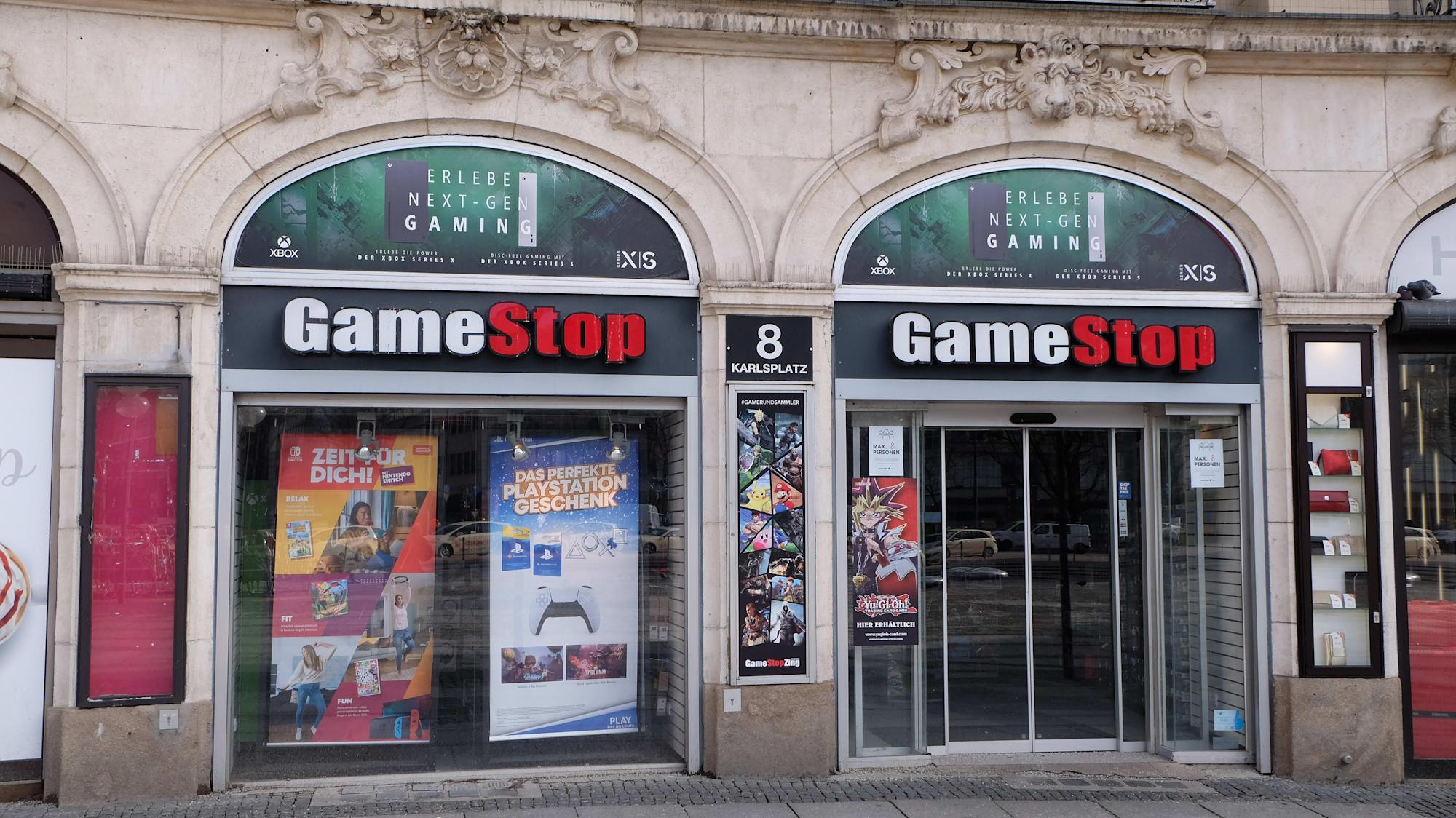 There's 'still a place in the video game ecosystem' for GameStop: strategist thumbnail