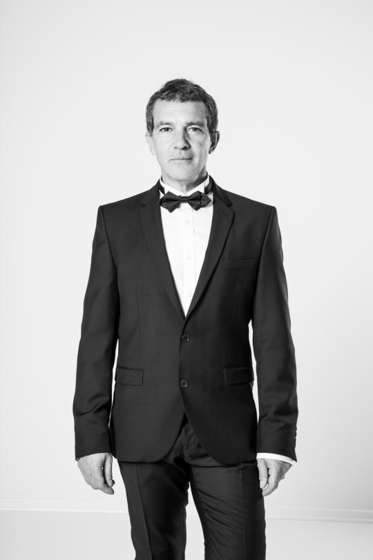 Antonio Banderas in a suit he made. <em>(Photo: Courtesy of Selected)</em>