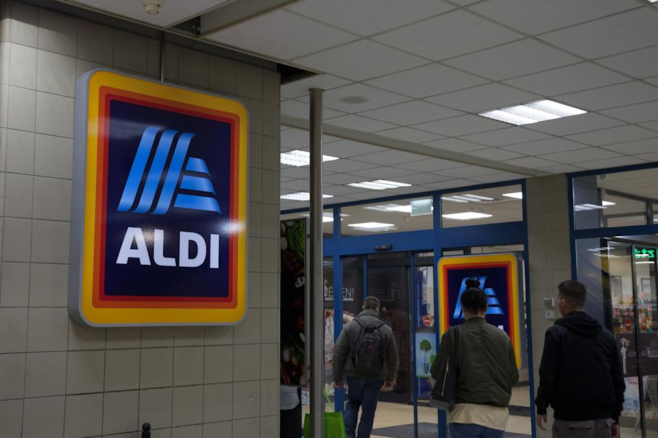 Picture of the Aldi Sud sign on one of their stores of Budapest, Hungary. Aldi, or Albrecht Diskont, is a brand of two discount supermarket chains with over 10,000 stores in 20 countries