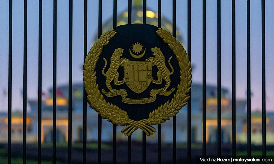 LIVE BLOG   Agong sees Umno, MIC, and PBS on third day of meets