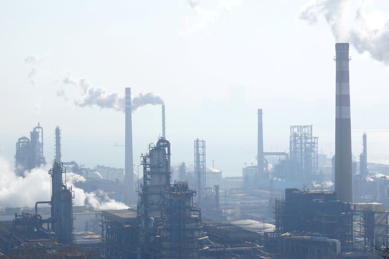 China flexes oil refining muscle, upping pain for Asian rivals
