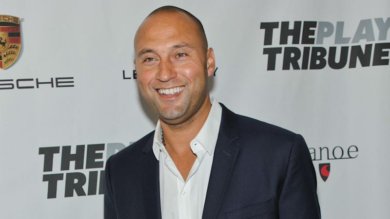 Derek Jeter, Jeb Bush teaming up in attempt to buy Marlins, report says