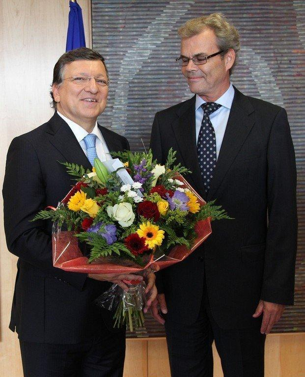 European Union Commission President Jose Manuel Barroso (L) receives flowers from Norway's Ambassador to the EU Atle Leikvoll after the EU was awarded the 2012 Nobel Peace Prize in Brussels in October 2012. The award risks losing some of its lustre because of the prize committee's unexpected and controversial choices of late, some observers warn