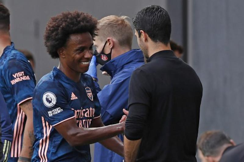 Meia do Arsenal elogia chegadas de Willian e Gabriel Magalhães