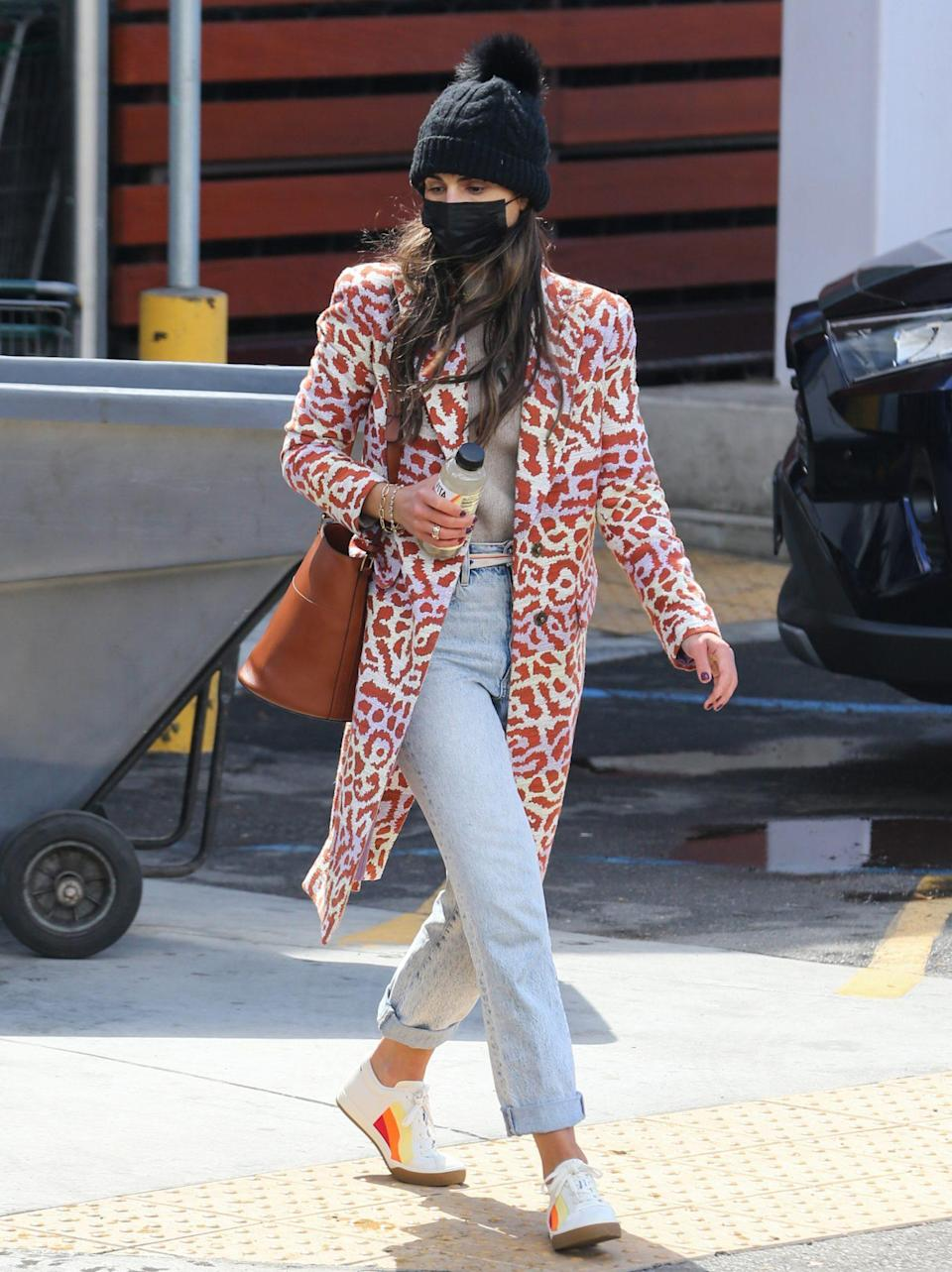 <p>Jordana Brewster is a bright spot on Thursday during a grocery run in Los Angeles. </p>
