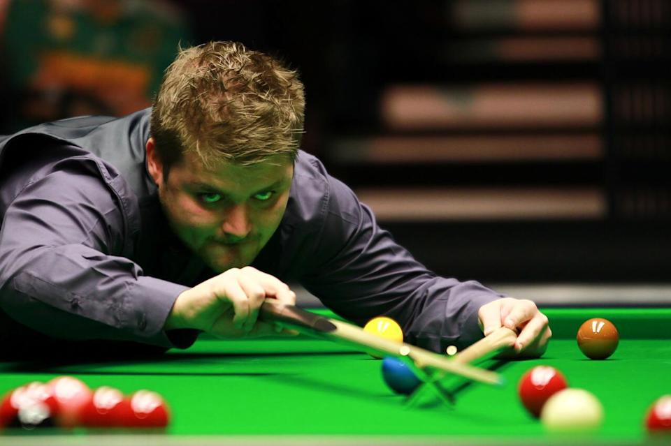 Former world number 15 Michael White has reached the UK Championship last 32 for just the second time.