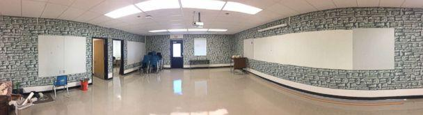 PHOTO: Kyle Hubler, a teacher at Evergreen Middle School in Hillsboro, Oregon, transformed his classroom into a wizarding wonderland to surprise his students.  (Courtesy Kyle Hubler)