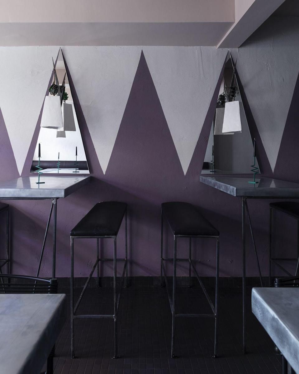 <p>Zigzag doesn't have to stick to products; take the trend vertical by coordinating paint colors on walls. </p>