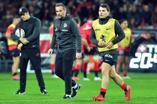 Toulouse's Antoine Dupont made his first appearance since injuring his back during the World Cup in October