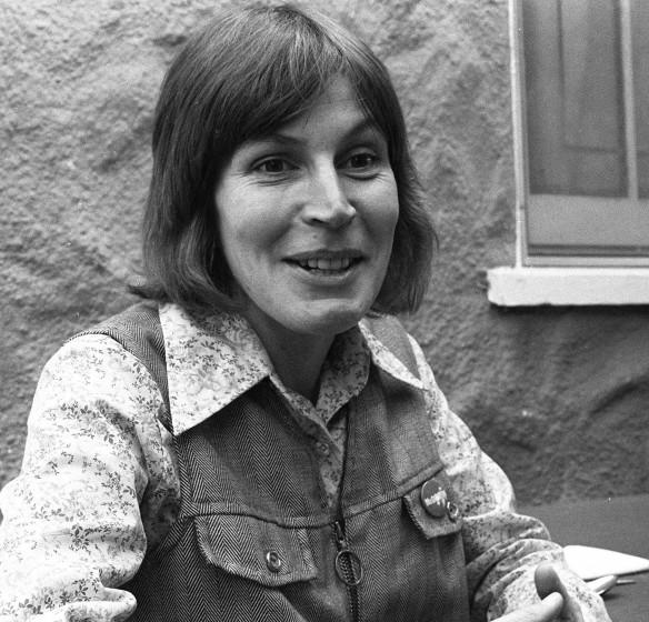 """Ms. Helen Reddy, composer-singer of """"I Am Woman"""""""