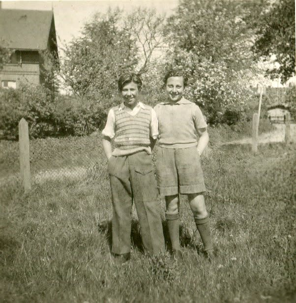 Zigi Shipper and Manfred Goldberg at Lensterhof Convalescence Home in Germany, after liberation in 1945. (Holocaust Educational Trust)