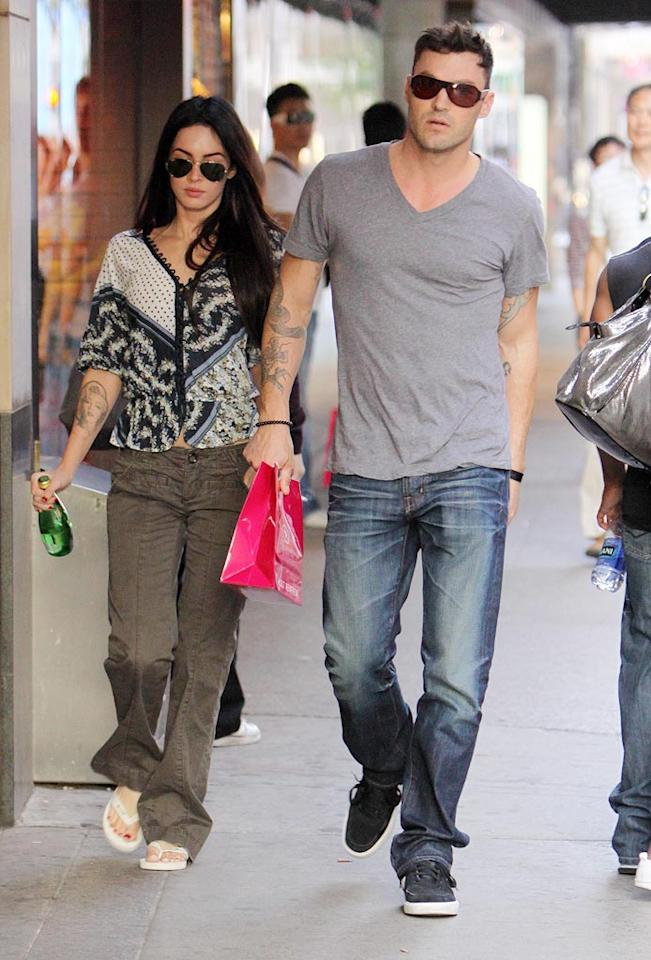 """On the opposite side of North America, """"Transformers"""" tart Megan Fox and on-again/off-again beau Brian Austin Green picked up some goodies at Holt Renfrew in Toronto, Canada. O'Neill/White/<a href=""""http://www.infdaily.com"""" target=""""new"""">INFDaily.com</a> - September 5, 2009"""
