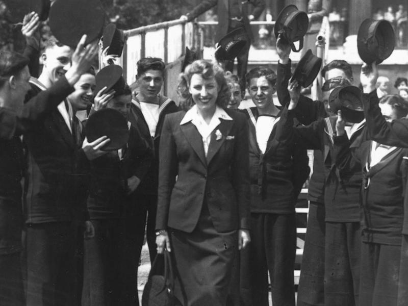Dame Vera Lynn receives a grand welcome as she arrives in Trafalgar Square, London, in 1943 (Getty)