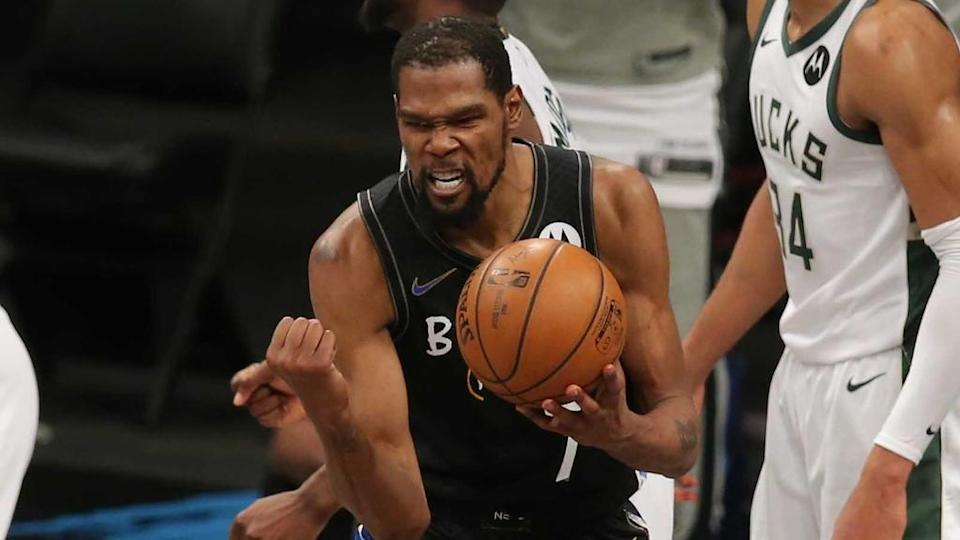 Kevin Durant clenched first against Bucks Game 5 2021 playoffs