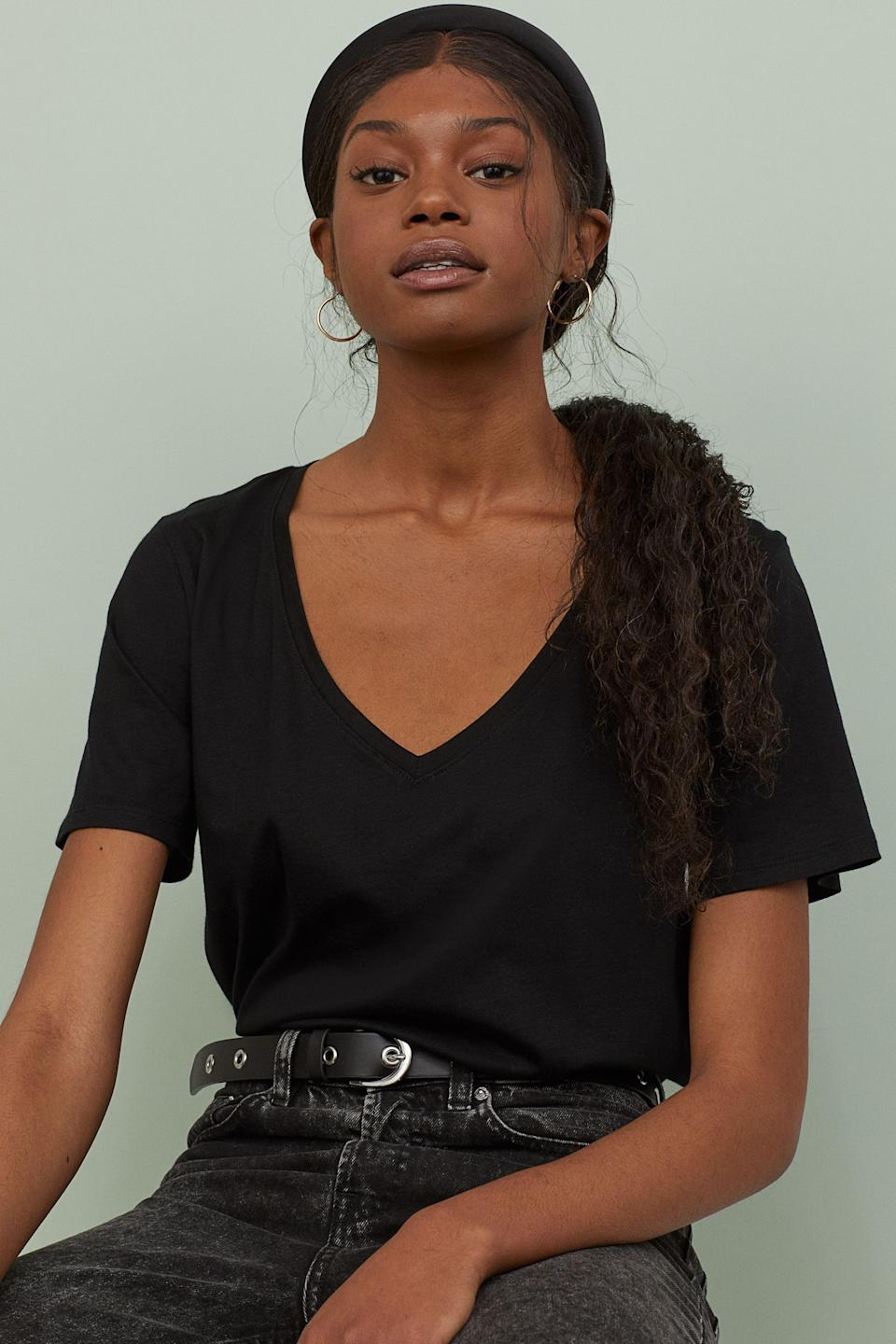 """The mileage you'll get out of this relaxed tee will make its price-per-wear plummet to pennies. $5, H&M. <a href=""""https://www2.hm.com/en_us/productpage.0718278001.html"""" rel=""""nofollow noopener"""" target=""""_blank"""" data-ylk=""""slk:Get it now!"""" class=""""link rapid-noclick-resp"""">Get it now!</a>"""