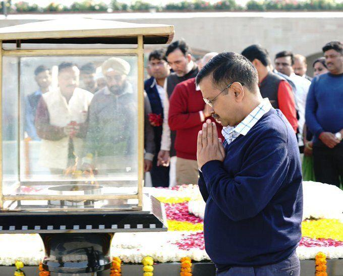 Chief Minister Arvind Kejriwal at Rajghat on Tuesday.  (Photo: Twitter/Arvind Kejriwal)