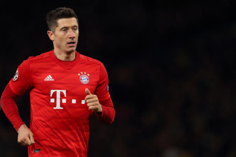 LONDON, ENGLAND - FEBRUARY 25: Robert Lewandowski of Bayern Munich during the UEFA Champions League round of 16 first leg match between Chelsea FC and FC Bayern Muenchen at Stamford Bridge on February 25, 2020 in London, United Kingdom. (Photo by James Williamson - AMA/Getty Images)