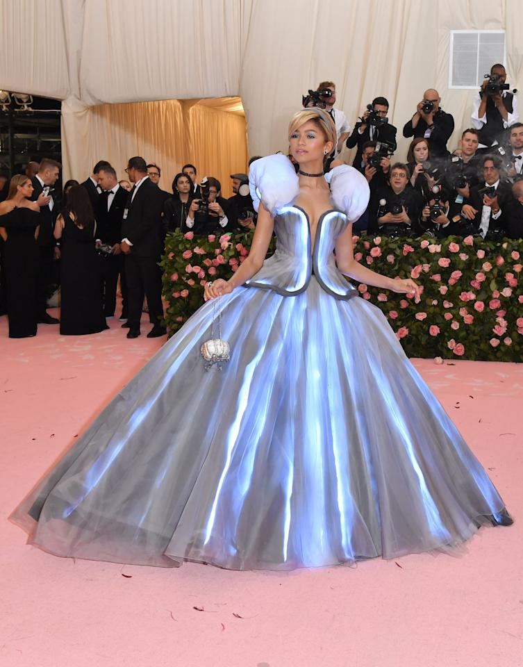 <p>You're bound to find your Prince Charming with this Cinderella-inspired look. </p>
