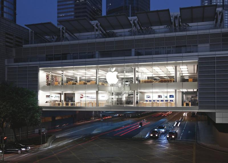 Apple Store in Hong Kong (Image Credit: Business Insider)