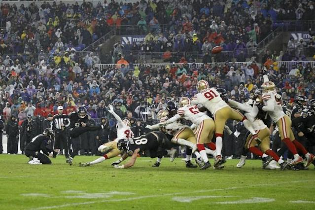 Baltimore's Justin Tucker kicks the game-winning field goal in the Ravens 20-17 NFL victory over the San Francisco 49ers (AFP Photo/Scott Taetsch)