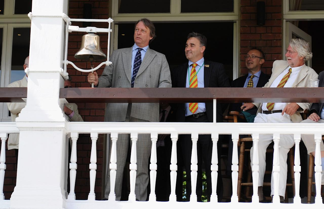 LONDON, ENGLAND - JULY 25:  ECB chairman Giles Clarke rings the five minute bell alongside MCC chief executive Keith Bradshaw ahead of day five of the 1st npower test match between England and India at Lord's Cricket Ground on July 25, 2011 in London, England.  (Photo by Gareth Copley/Getty Images)
