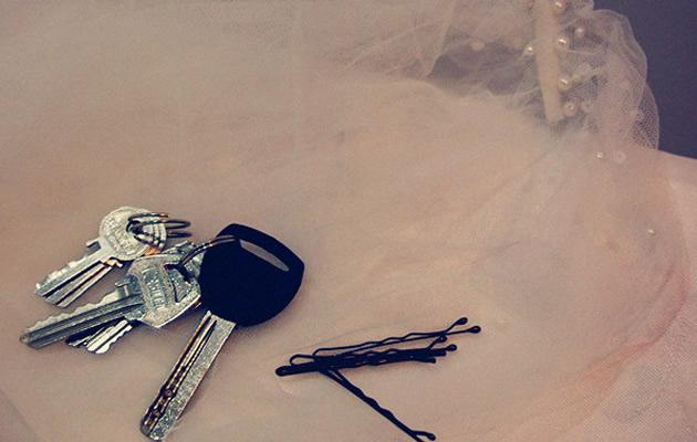 Janice's bridal veil, set of keys to her new home, and lucky hairpins she will never use. (Yahoo! Photo / Elizabeth Soh)