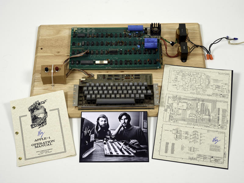 First Apple computer could fetch $500,000 or more