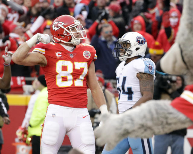 "Chiefs tight end <a class=""link rapid-noclick-resp"" href=""/nfl/players/26686/"" data-ylk=""slk:Travis Kelce"">Travis Kelce</a> celebrates his 13-yard touchdown catch in a playoff game in January. (AP)"