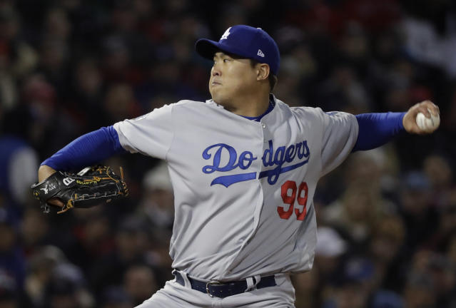 Hyun-jin Ryu is staying with the Los Angeles Dodgers. (AP)