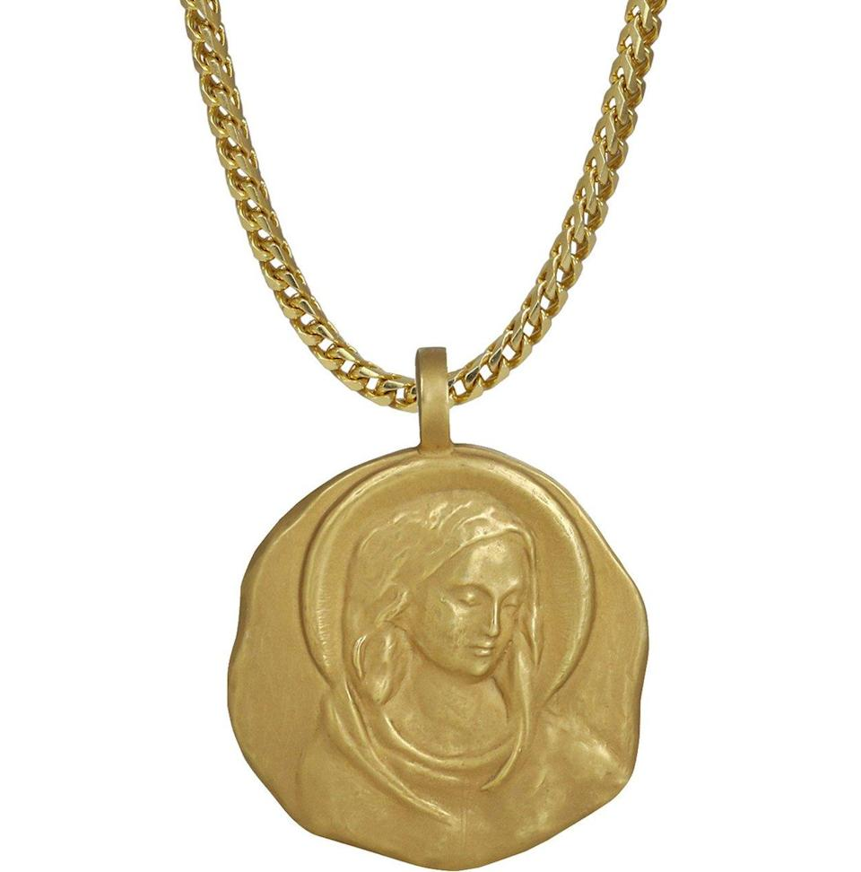 "<p>18k yellow gold, 22″ chain, weight: 74.7g.<br>(Photo: <a href=""https://yeezysupply.com/products/s4012"" rel=""nofollow noopener"" target=""_blank"" data-ylk=""slk:Yeezy Supply"" class=""link rapid-noclick-resp"">Yeezy Supply</a>) </p>"