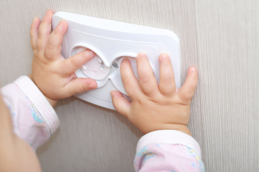 baby-proof-your-home-electric-socket