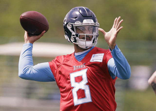 Tennessee Titans quarterback Marcus Mariota throws during a voluntary practice at its NFL football training facility Wednesday, April 25, 2018, in Nashville, Tenn. (AP Photo/Mark Humphrey)