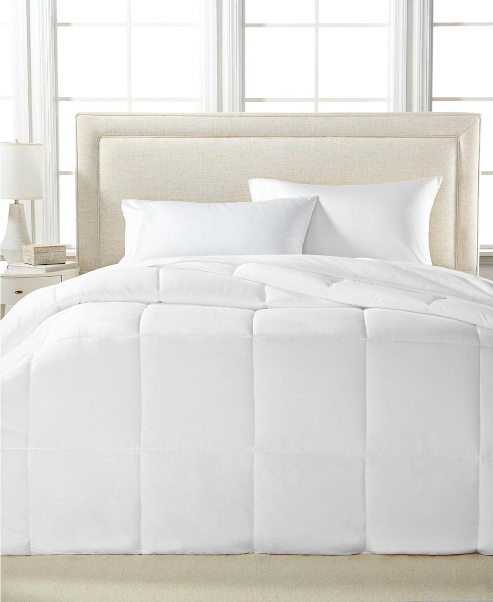 "Yep, we spotted this down alternative comforter <a href=""https://fave.co/36kWJ7O"" target=""_blank"" rel=""noopener noreferrer"">for less than the cost of lunch for two</a>. This lightweight, hypoallergenic down comforter comes in seven colors — including traditional white — in sizes twin, full/queen and king. Normally $110, get a full/queen <a href=""https://fave.co/36kWJ7O"" target=""_blank"" rel=""noopener noreferrer"">on sale for just $20 at Macy's</a> this Cyber Monday."