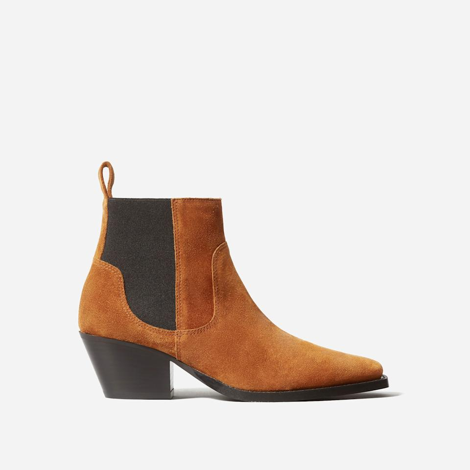 """<h3><a href=""""https://www.everlane.com/products/womens-square-toe-chelsea-boot-chocolate?collection=womens-boots"""" rel=""""nofollow noopener"""" target=""""_blank"""" data-ylk=""""slk:The Western Boot"""" class=""""link rapid-noclick-resp"""">The Western Boot<br></a></h3><br>Yeehaw! The brand dipped its toes into the Western-boot trend — with sexy results. We could see this camel-colored suede being in constant rotation. <br><br><strong>Everlane</strong> The Western Boot, $, available at <a href=""""https://go.skimresources.com/?id=30283X879131&url=https%3A%2F%2Fwww.everlane.com%2Fproducts%2Fwomens-western-boot-russet-suede%3Fcollection%3Dwomens-boots"""" rel=""""nofollow noopener"""" target=""""_blank"""" data-ylk=""""slk:Everlane"""" class=""""link rapid-noclick-resp"""">Everlane</a>"""