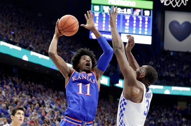 """<a class=""""link rapid-noclick-resp"""" href=""""/ncaaf/players/264245/"""" data-ylk=""""slk:Josh Jackson"""">Josh Jackson</a> and Frank Mason led Kansas to an impressive — and somewhat surprising — win over Kentucky. (Getty)"""
