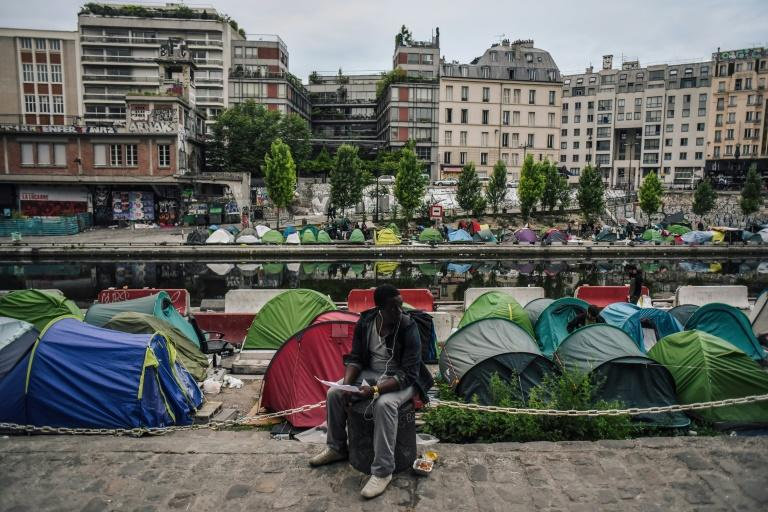 Paris police have cleared some 2,000 migrants from camps in the past week